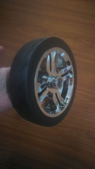 "8"" Hollow Plastic Wheel with Bearing"
