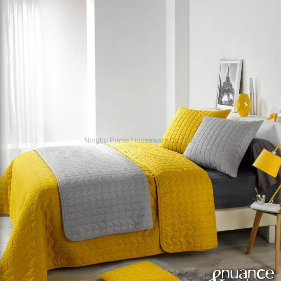 Bedspread/Quilt/Luxurious Comfort Ultrasonic Summer Quilt Set with Cushion/Pillow Cover/Bedding Set