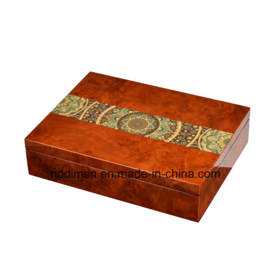 High Quality Wooden Gift/Chocolate Box, White PU Leather Box pictures & photos