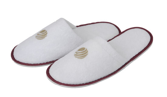 Red Tipping White Terry Colsed embroidery  Logo Hotel Slipper pictures & photos