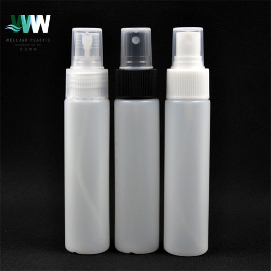 55ml Flat Shoulder PE Cosmetic Bottle with Spray Lotion Pump pictures & photos