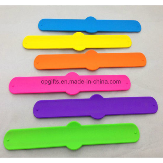 Custom Silicone Snap Wrist Band/Silicon Slap Bracelet pictures & photos
