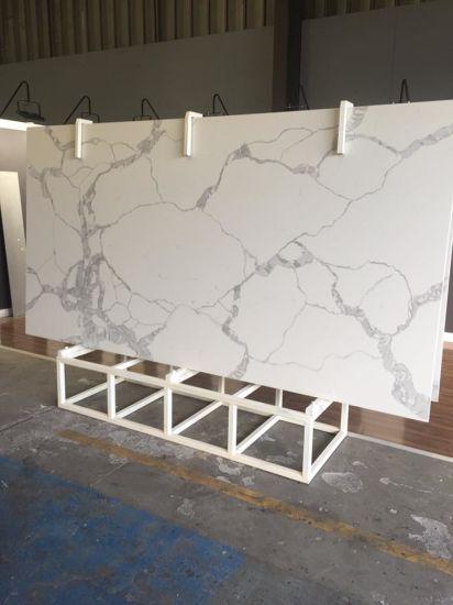 China Hot Sale Cheap Kitchen Artificial Carrara Marble White Stone