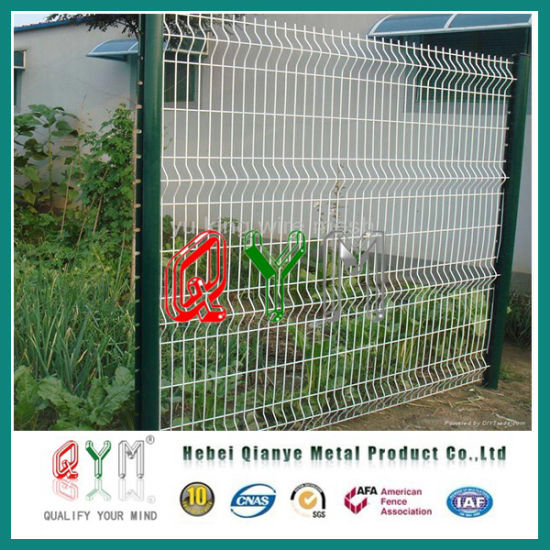 China 3D Curvy Welded Fence Mesh Vinyl Coated Triangle Fence Panels ...