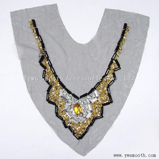 Wholesale Acrylic Rhinestone Bead Collar Yarn Fabric Garment Accessories