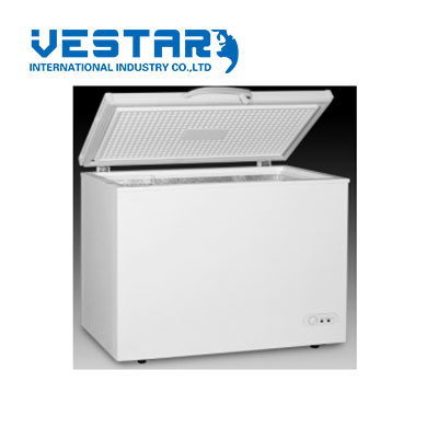 220V DC Solar Powered Refrigerator Freezer Fridge Display Showcase Cooler pictures & photos