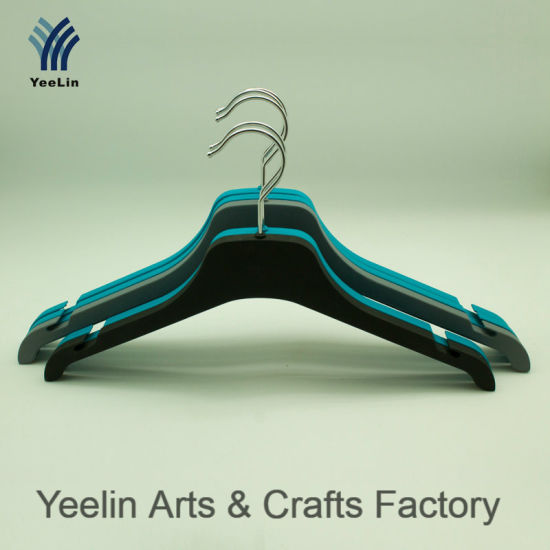 Yeelin Rubberized PVC Plastic Hanger with Notch on Side pictures & photos