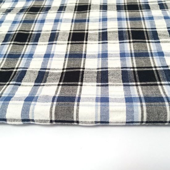 Woven Technics and 110*70 Density Yarn Dyed Shirt Fabric
