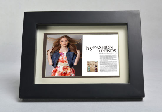 7inch Wooden Frame Digital Picture Frame pictures & photos
