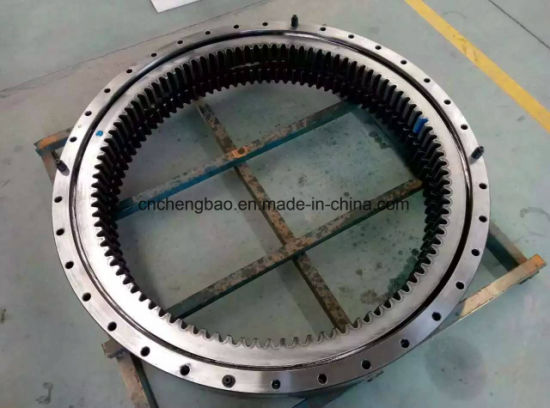 Komatsu Cat Volvo Hitachi Hyundai Doosan Excavator Swing Bearing, Excavator Slewing Ring, Excavator Swing Circle pictures & photos