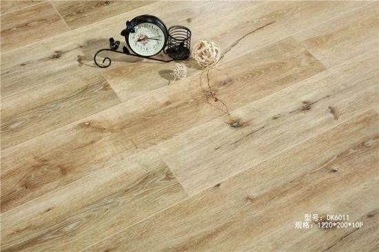 China Manufacturers 8mm 12mm Eco Friendly Waterproof Laminate Wood Flooring/ Laminated Flooring pictures & photos