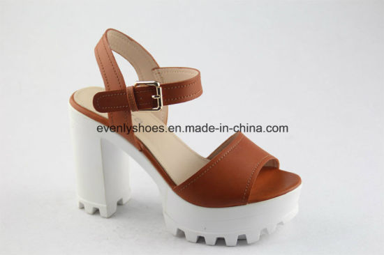 Fashion High Heels Lady Leather Sandal with Platform pictures & photos