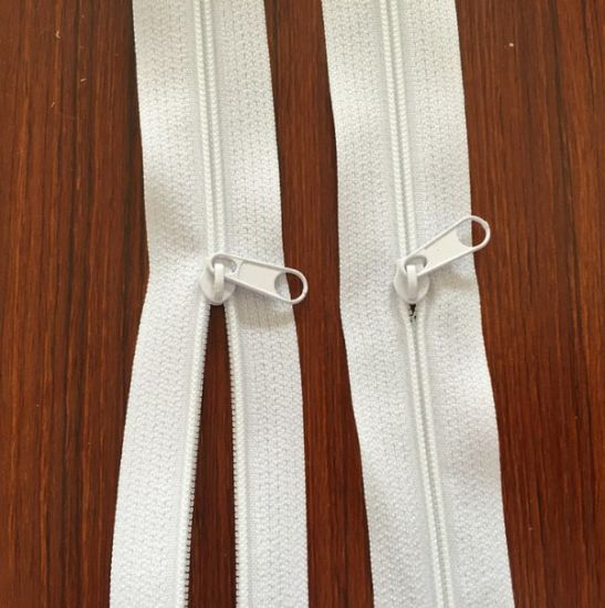 Wholesale High Quality 3# Nylon Zipper for Garment pictures & photos