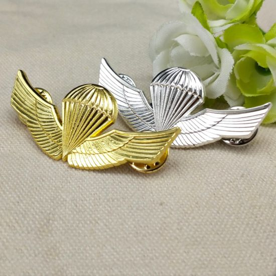 Manufacturer Custom Metal Gold Silver 3D Logo Badge Lapel Pins Police Military Uniform Accessories Emblem with Any Design
