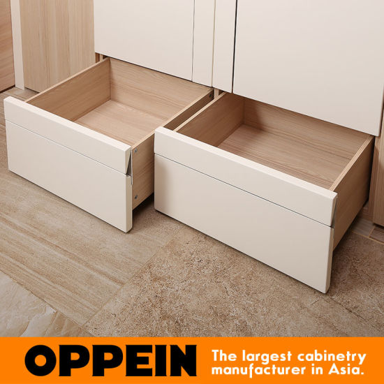 Oppein Modern White Lacquer Wood Melamine Swing Wardrobe (YG91550) pictures & photos