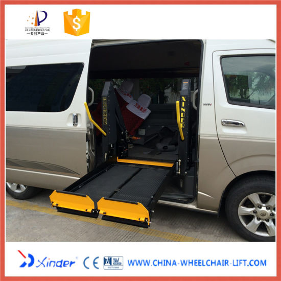 Ce Chinese Manufacturer of Electric and Hydraulic Scissor Wheelchair Lift for Disabled pictures & photos