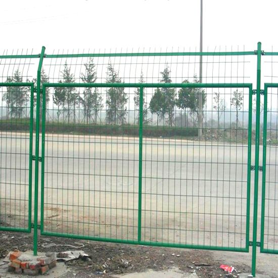 China Hot Sale Powder or PVC Coated Galvanized Welded Wire Mesh ...