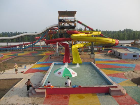 Open Body Spiral Water Slide (DL-51904) pictures & photos