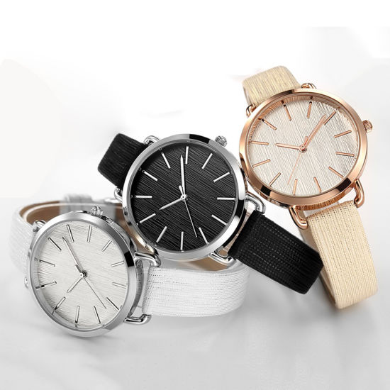 Women′s Ladies Simple Casual Leather Strap Quartz Wris Watch 71355 pictures & photos