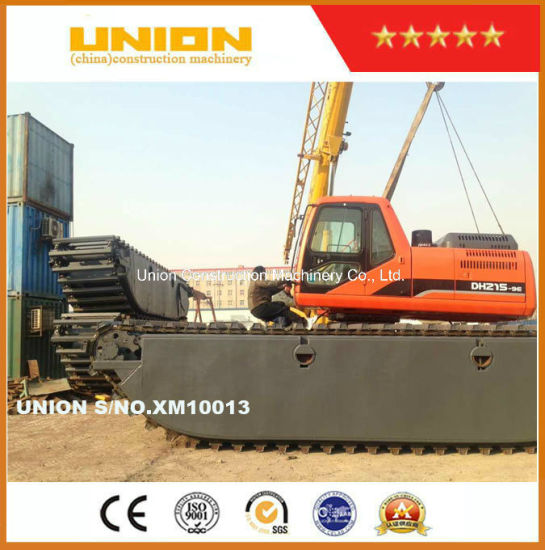 Doosan Dh215-9 Amphibious Excavator with Undercarriage Pontoon Marsh Buggy pictures & photos