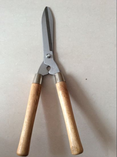 High Quality Wooden Handle Hedge Shear with Tied Card Packing pictures & photos