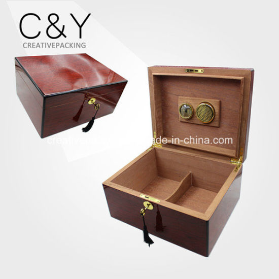 High Gloss Finish Branded Wooden Cigar Box Humidor pictures & photos