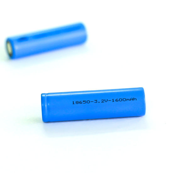 Free Sample Wholesale LiFePO4 Rechageable 18650-3.2V-1600mAh Lithium Battery Cell