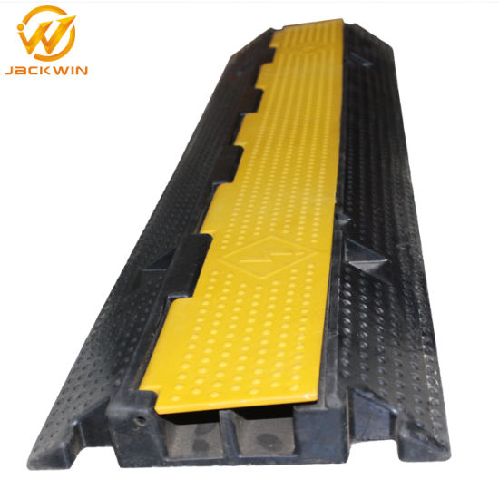 Rubber Kerb Ramp for Road Traffic 2 Way Rubber Cable Protection Plastic Cable Ramp