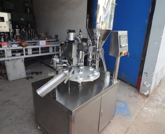 Semi Tube Fill and Seal Machine for Plastic or Aluminum Tube pictures & photos
