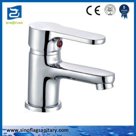 China Cheap Brass Kitchen Sink Faucet With Light Weight Small Body China Small Kitchen Faucet Light Sink Tap