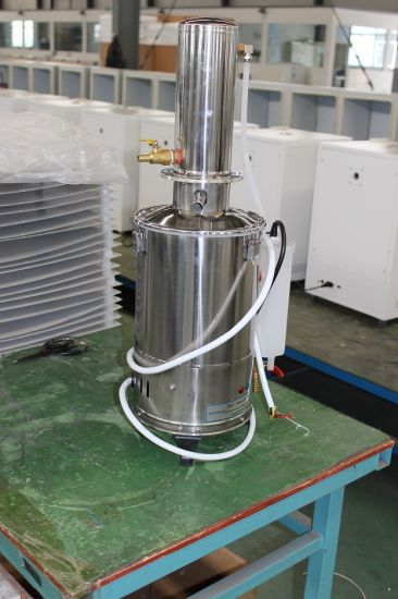 CE Stainless Steel Water Distiller 5L/10L/20L pictures & photos