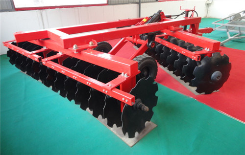 Hydraulic Offset Heavy-Duty Disc Harrow pictures & photos
