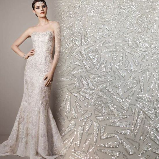 Fashion Design Embroidered Lace Fabric for Evening Gown with Sequins