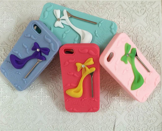 High-Heeled Shoes Shape Shrink Silicone Phone Case pictures & photos