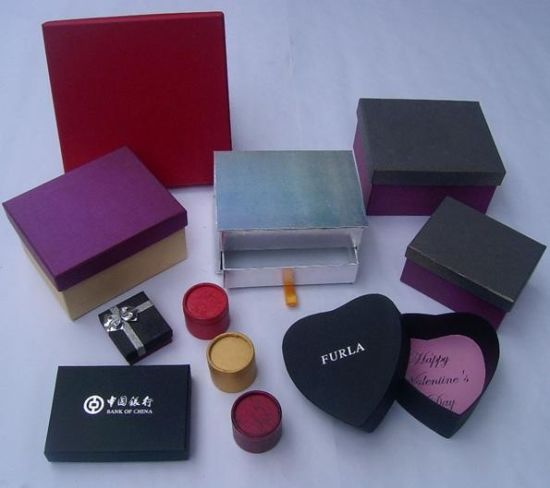 Paper Boxes for Gifts and Jewelry in Packing