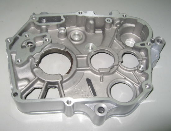 China Motorcycle Parts Motorcycle Right Engine Crankcase for