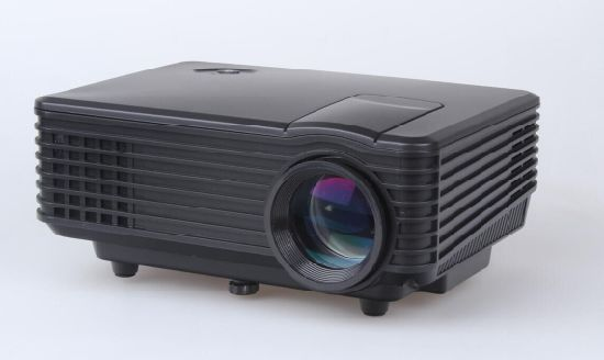 02a737e7a21dcc Yi-805A Classic Hot Sell 800 Lumens Fuli HD 1080P Portable USB Home Theater  Pico LED LCD Video Mini Projector Beamer Projetor