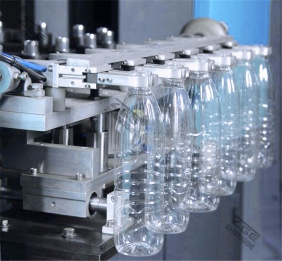 Full Automatic 6 Cavitiy Plastic Bottle Blow Molding Machine pictures & photos