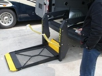 CE Wheelchair Lift, Hydraulic Lifter for Van (WL-D-880) pictures & photos