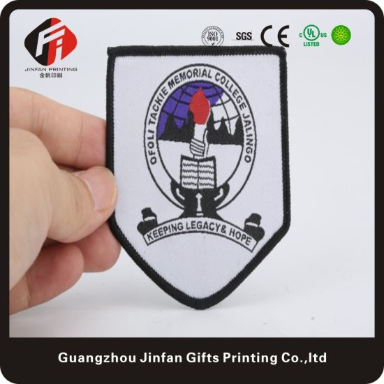 Top Quality and Professional Clothing Label Embroidery Patch for Garment Accessory and Shoes and Hats