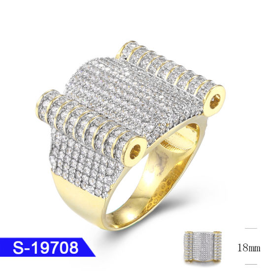 Wholesale New Design Hip Hop Men′s 925 Sterling Silver Fashion Jewelry 14K Gold Plated Diamond Custom Rapper Rings pictures & photos