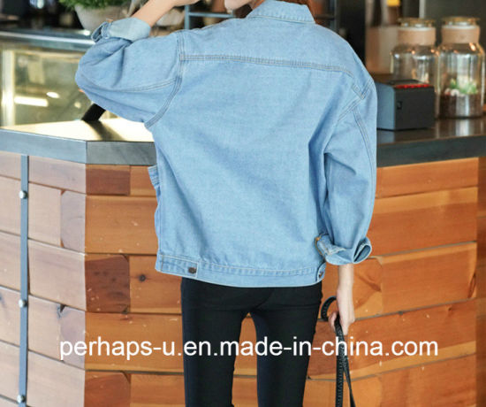 Mass Production of Ladies′ Casual Denim Jacket with Bat Sleeve pictures & photos