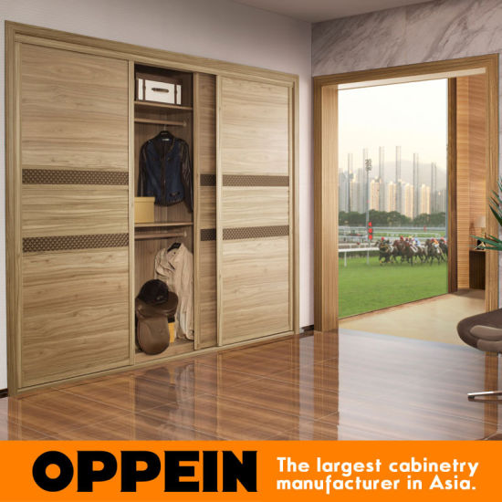 Guangzhou Manufacturer 3-Door Sliding Wooden Melamine Built-in Bedroom  Wardrobe (YG21454)