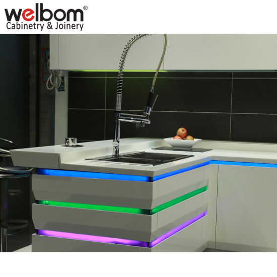 Welbom High Quality Modern Lacquer Kitchen Cabinet pictures & photos