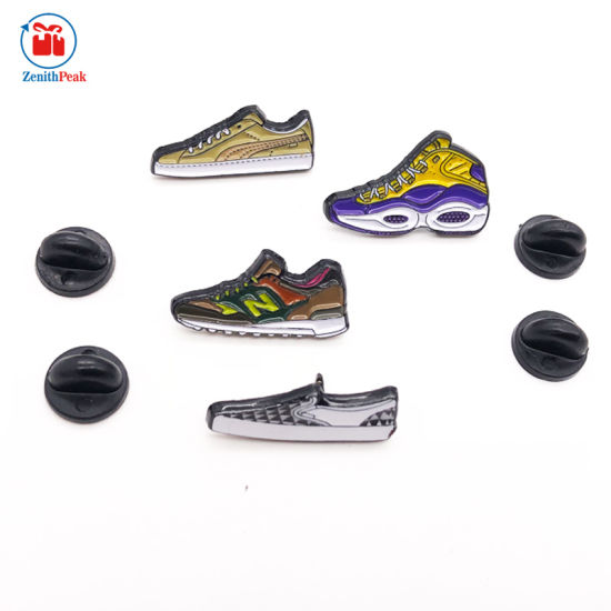 China Custom Enamel Shoes Lapel Pin Badge China Shoes