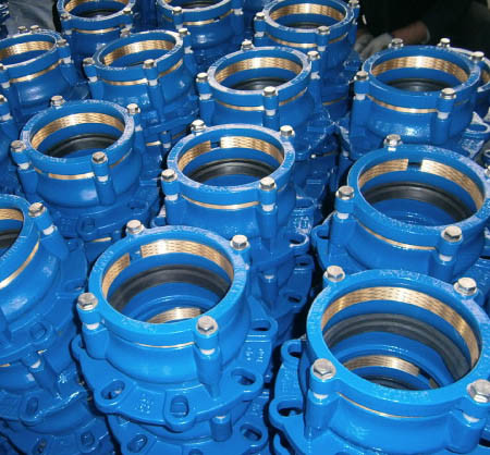 China Ductile Iron Restrained Flange Adaptor for HDPE PVC Di