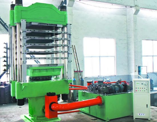 Four Column Customize Size Rubber Flooring Vulcanizing Press Machine pictures & photos