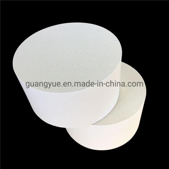Industrial Alumina Ceramic Honeycomb Heat Retainer Cylinder