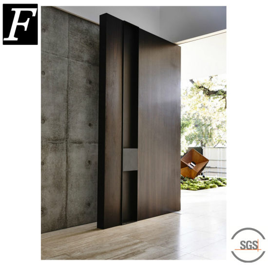 Pivot Wooden Door pictures & photos