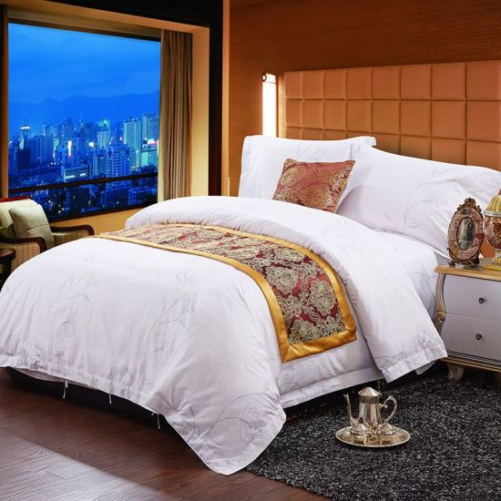 Hot Sale High Quality Hotel Linen 100% Cotton Printed Bed Set pictures & photos